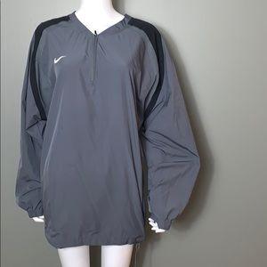 Nike Storm fit Gray windbreaker SZ.L